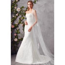 فستان الزهرة الضيقة للزفاف