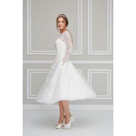 حذاء الزفاف اللامع