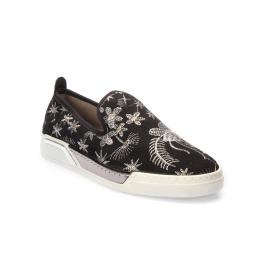 سنيكر - الحذاء الرياضي المنقوش
